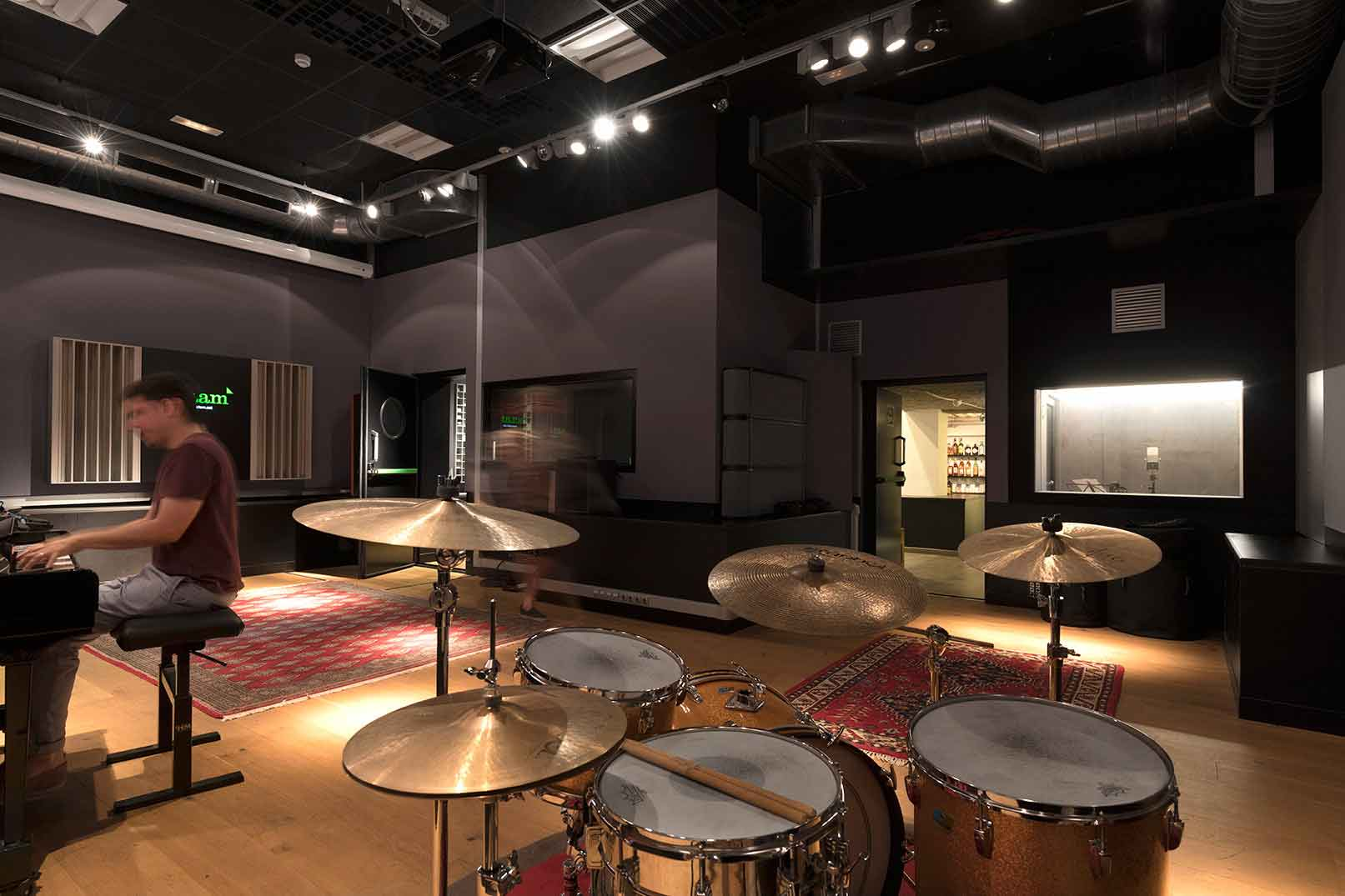 Live-room-aclam-records-studio